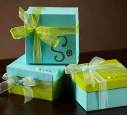 favor boxes Pretty Painted Favor Boxes: National Craft Month Project & Giveaway