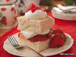 Traditional Strawberry Shortcake RE Summertime Showdown: Battle of the Fruit Desserts